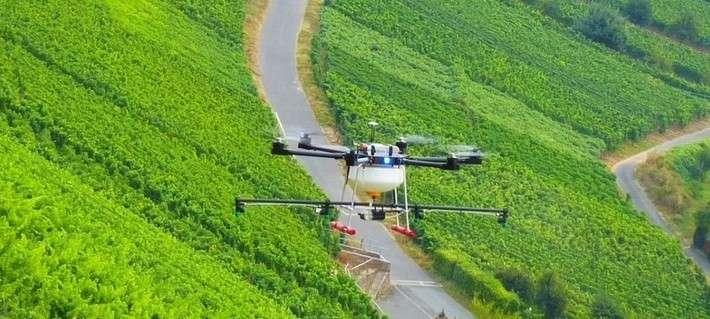 В России был представлен первый беспилотный сельскохозяйственный дрон Agrofly