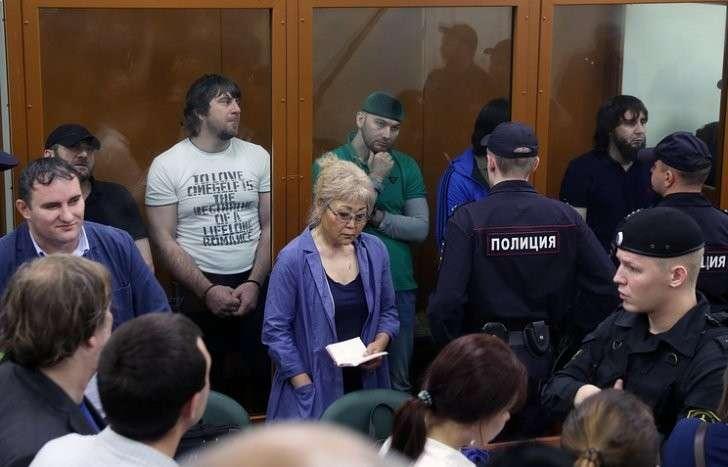Во время оглашения приговора фигурантам дела об убийстве политика Бориса Немцова в Московском окружном военном суде