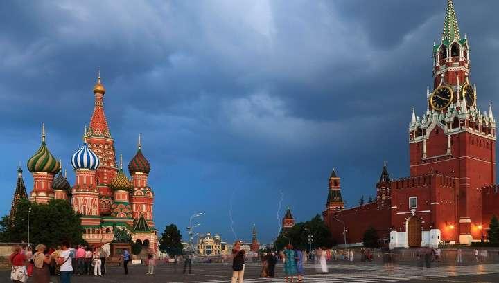 В Москве вновь объявлен желтый уровень опасности: ожидается гроза и сильный ветер
