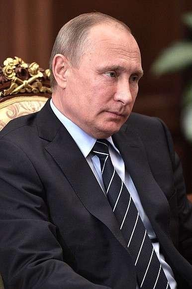 Вовремя встречи сзаместителем Председателя Правительства– полномочным представителем Президента вДальневосточном федеральном округе Юрием Трутневым.