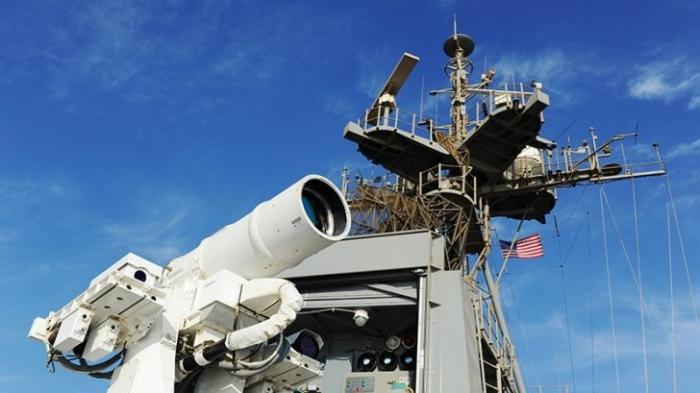 В России военные прокомментировали опасность испытанного США лазерного оружия
