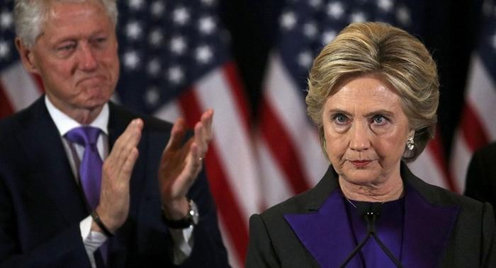 Скандальное признание бывшего помощника Трампа: Клинтоны вмешались в российские выборы