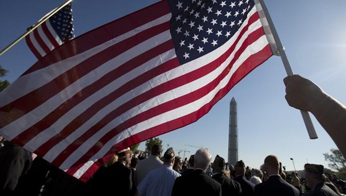 Историк из США считает что страна «несётся в пропасть»