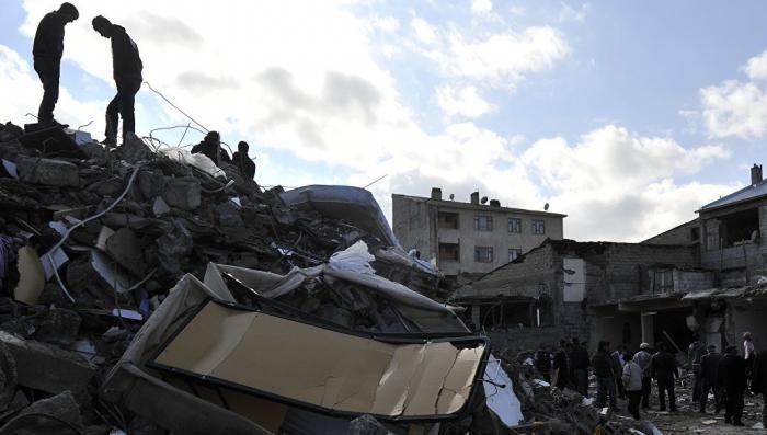 Турция: землетрясение 6,7 баллов произошло у берегов. Есть разрушения и жертвы