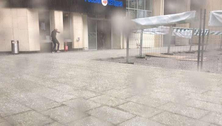 Москва: ливень с градом снова обрушился на столицу России