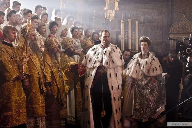 Я «Матильду» не смотрел, но осуждаю. Крестовый поход церковной мафии во главе с Поклонской