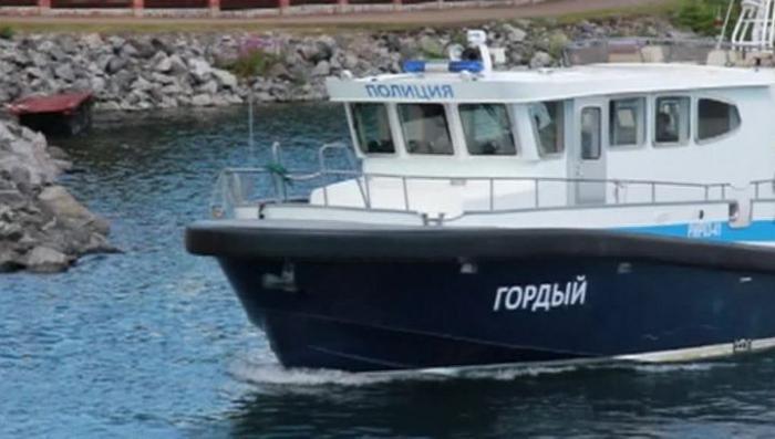 Озеро Байкал заполнили нелегальные туристические суда