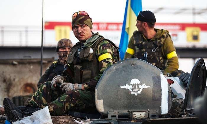 Траурный марш для «Парада Победы». Зачем Киев гонит нацгвардейцев на убой перед «Днем Незалежности»