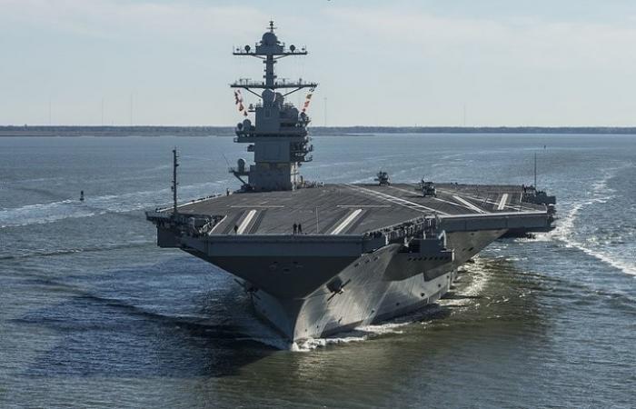 Трамп ввёл в боевой состав недоделанный авианосец, который раньше сам критиковал