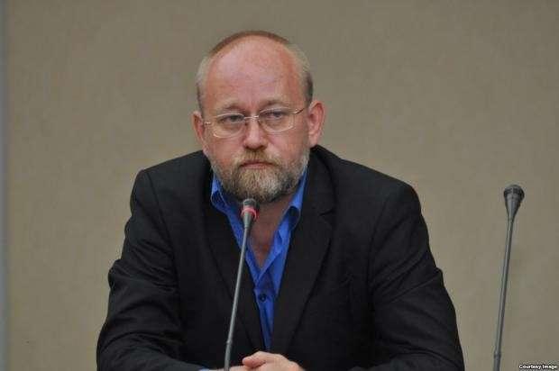 Украинский генерал-полковник прикидывается несмышлёнышем