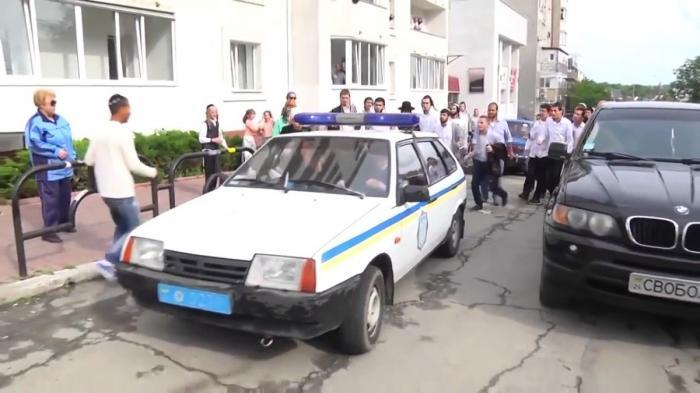 Украина: хасиды устроили охоту на горожан, полицейских и журналистов