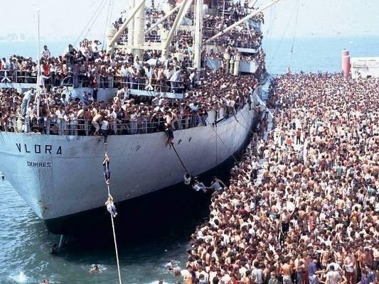 Беженцы в ЕС: скоро начнутся «пиратские войны» в Средиземном море
