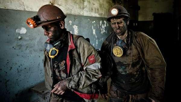 Шахтеры на угольной шахте возле Донецка. Архивное фото