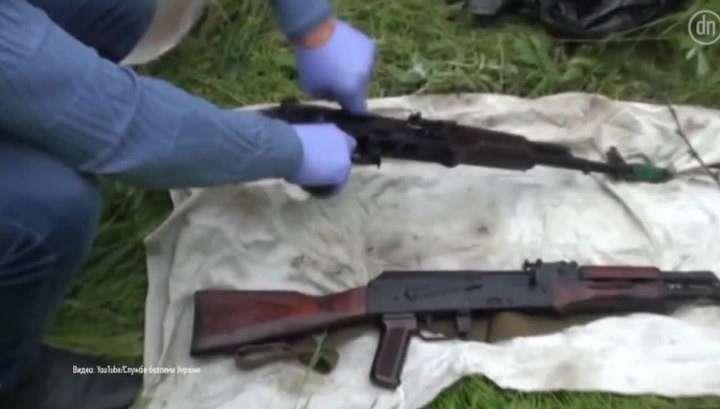 Автоматы за ящик водки: ополченцы даром скупают технику у украинских военных