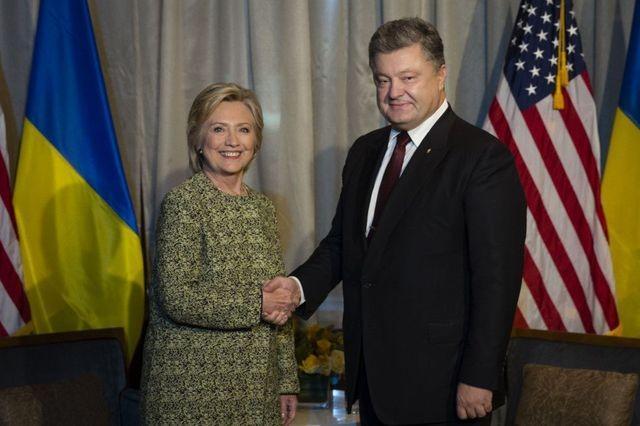 Трамп одним сообщением в Твиттере заставил покрыться холодным потом всю киевскую хунту