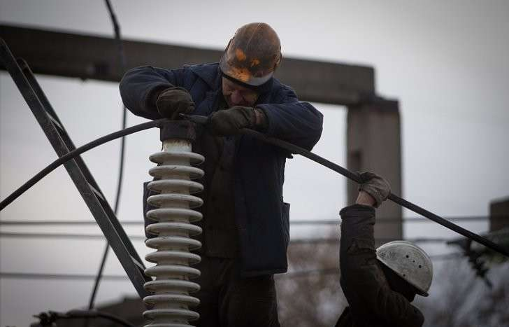 Киевская хунта прекратила подачу электроэнергии в ДНР
