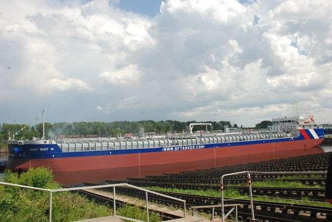 6. Завод «Красное Сормово» спустил на воду первый танкер по новому проекту RST27M завод, политика, проивзодство, россия, строительство