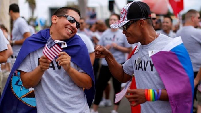 Педиков выгоняют из армии США: Дональд Трамп вернул запрет для трансгендеров