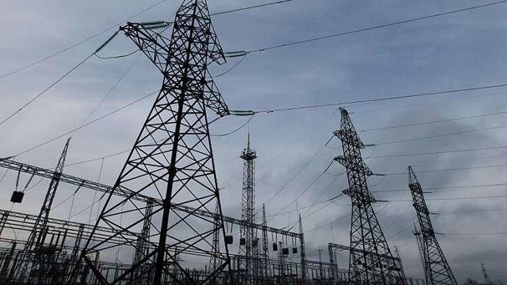 «Ещё один шаг на пути отторжения территорий»: Укрохунта прекратила поставки украинского электричества в Донбасс. Что дальше?