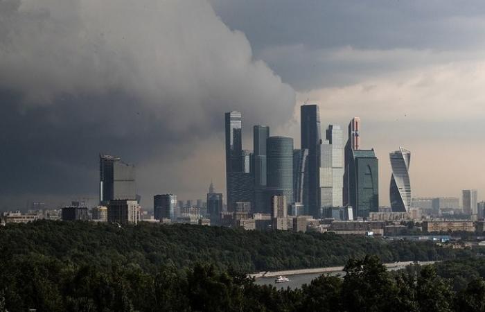 Москва, МЧС: гроза, град и усилении ветра в ближайшие часы