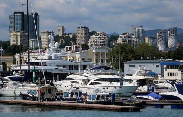 В Сочи отели и санатории заполнены туристами почти на 100%