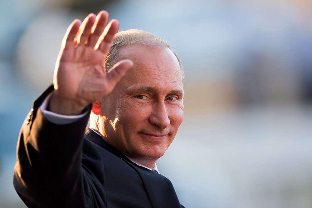 Путин, пользуясь случаем, выгоняет около 3000 пиндосских агентов влияния и членов их семей