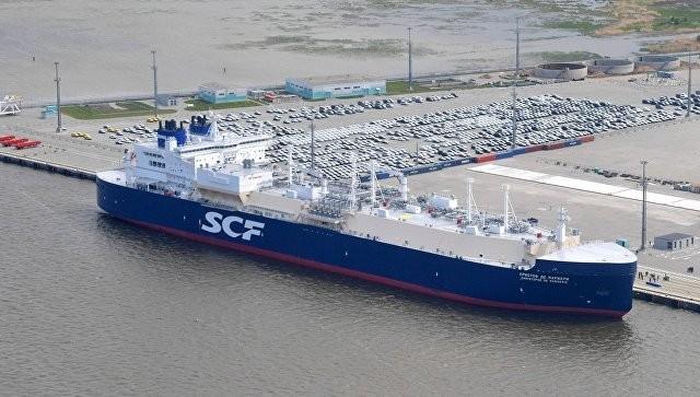 Впервые уникальный арктический танкер газовоз отправился по Северному морскому пути