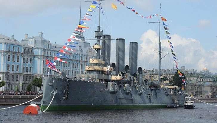 Петербург: Владимир Путин примет главный парад ВМФ при участии 40 кораблей и подлодок