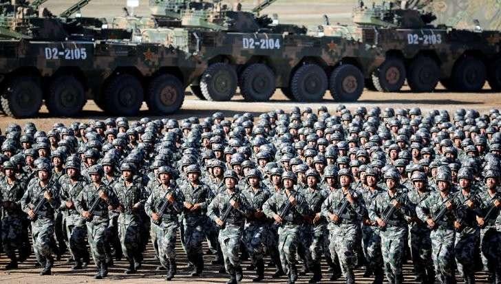 На военном параде в Китае показали новейшую технику