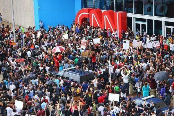 Осада офиса CNN в Атланте – реакция зрителей на замалчивание фактов