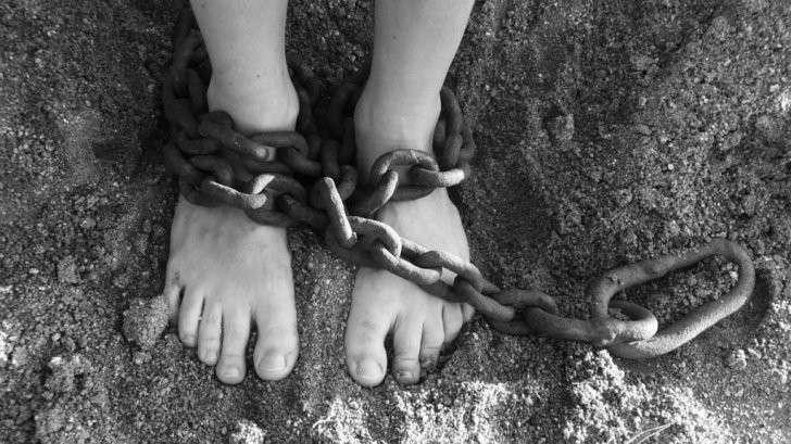 Рабы в ХХI веке: география, методы, пути решения