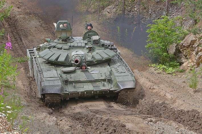 Корпорация УВЗ поставила в Минобороны РФ танки Т-72Б3 и БМР-3МА политика, проивзодство, россия, строительство