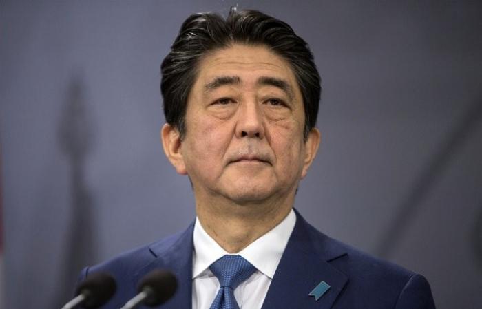 Япония: правительство в полном составе подало в отставку
