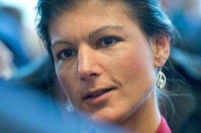Сара Вагенкнехт: США – международный мошенник их базы надо закрывать