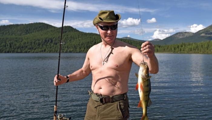 Владимир Путин на отдыхе в Южной Сибири. Видео с подводной рыбалки снятое Президентом