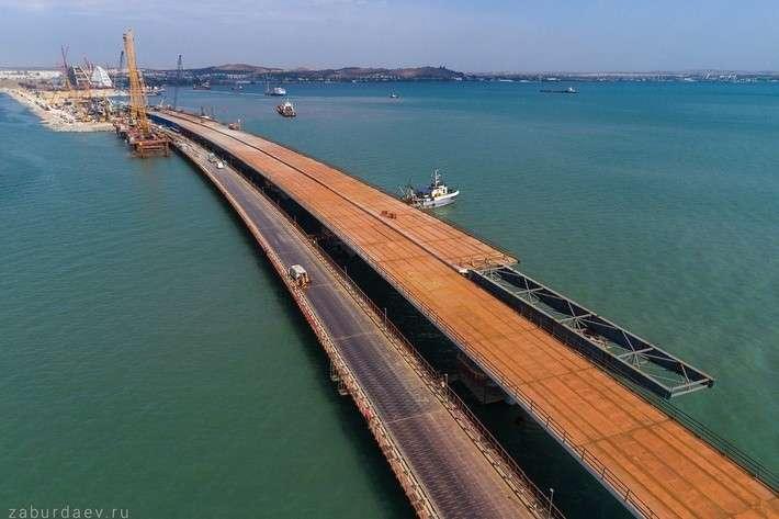 Керченский мост: замечательные фотографии передающие масштаб строительства
