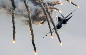 Лукашенко: Белоруссия предложит России разместить у себя дополнительно до 15 самолётов