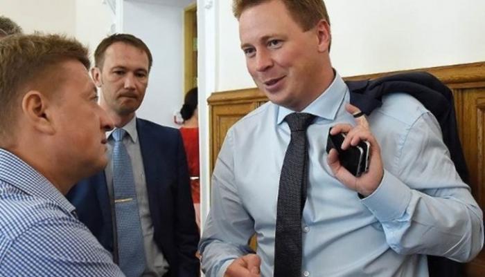 Крым, коррупция: между Овсянниковым и командой Чалого нарастает напряжение