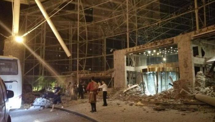 Землетрясение в Китае обрушило отель, в котором находились около двух тысяч человек