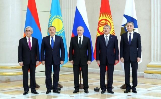 Санкции России: украинские товары идут в Россию через Белоруссию