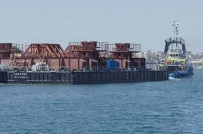 Керченский мост: движение судов остановлено, строители моста тестируют опоры