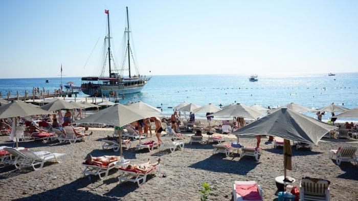 Эпидемия в Турции: более 500 россиян пожаловались на состояние здоровья