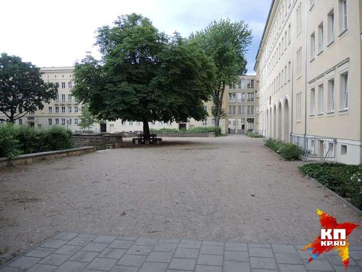Пустые сталинские дворы в бывшем Сталинштадте.