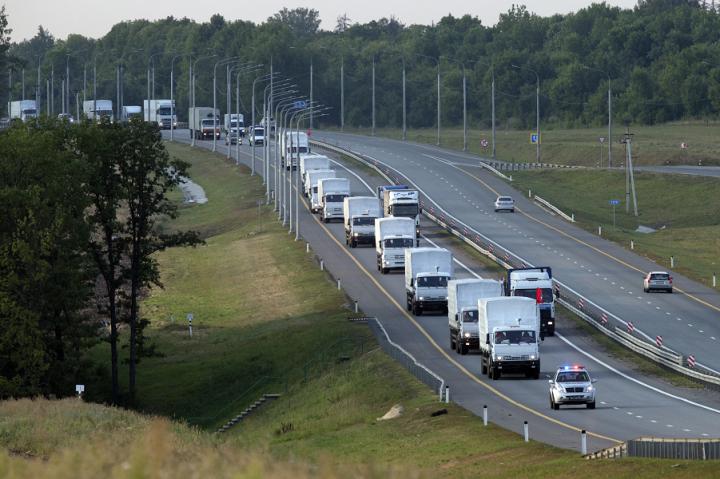 МИД: Все КамАЗы из гуманитарного конвоя покинули Украину