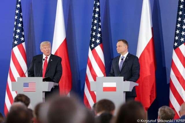 Дональд Трамп во время визита в Польшу