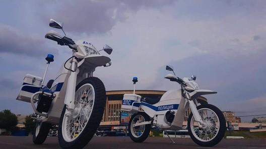 «Калашников» представил новые электрические мотоциклы для полиции «ИЖ»