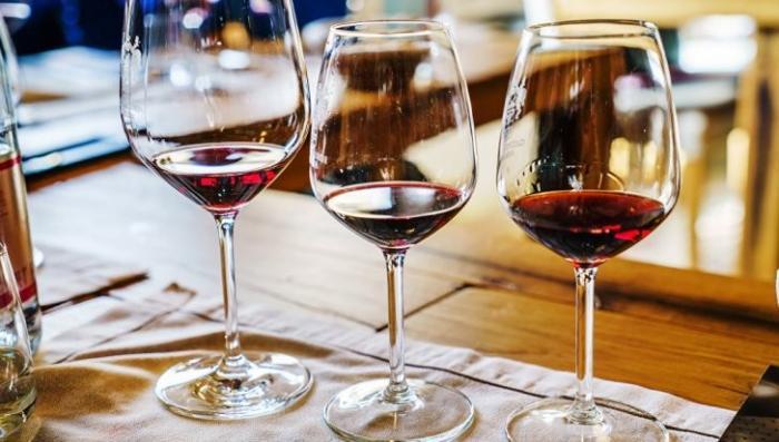 ВЦИОМ: почти 40% россиян считают, что вообще не употребляют алкоголь