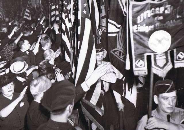 Парад американских нацистов в Нью-Йорке в 1939 году