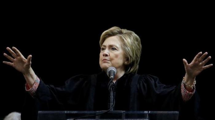 Иски против Трампа вынуждают сенаторов разобраться с финансированием кампании Клинтон