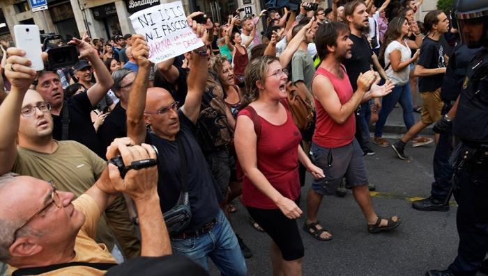 Испания, Барселона: власти разогнали митинг против «исламизации Европы»